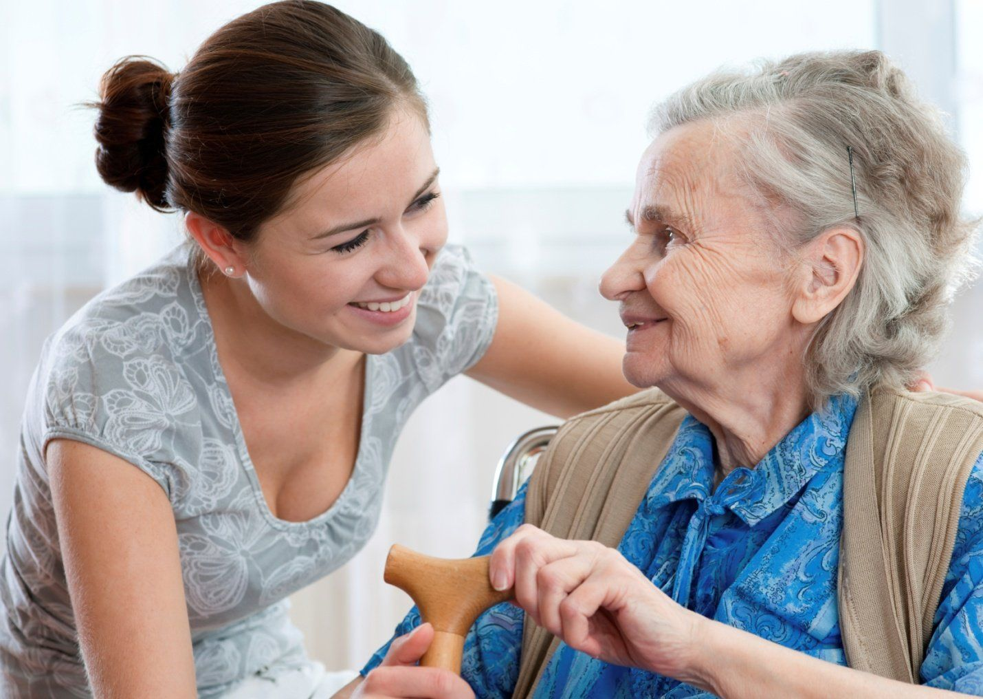 Know the advantages of senior home care